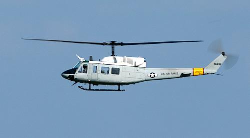 横田基地所属UH-1