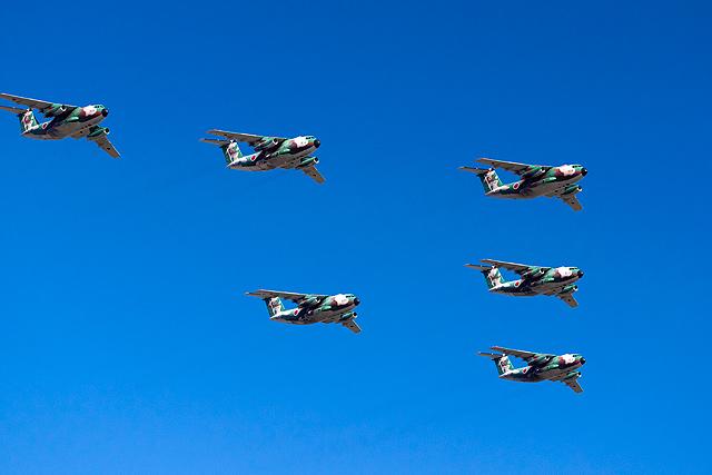 C-1 編隊飛行